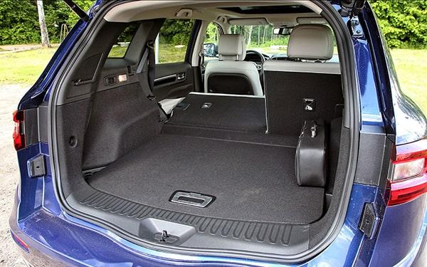 багажник сложены сидения